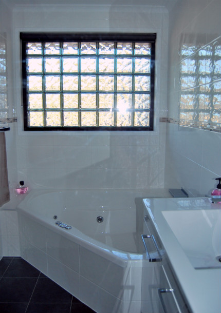 Contact_us_bathroom